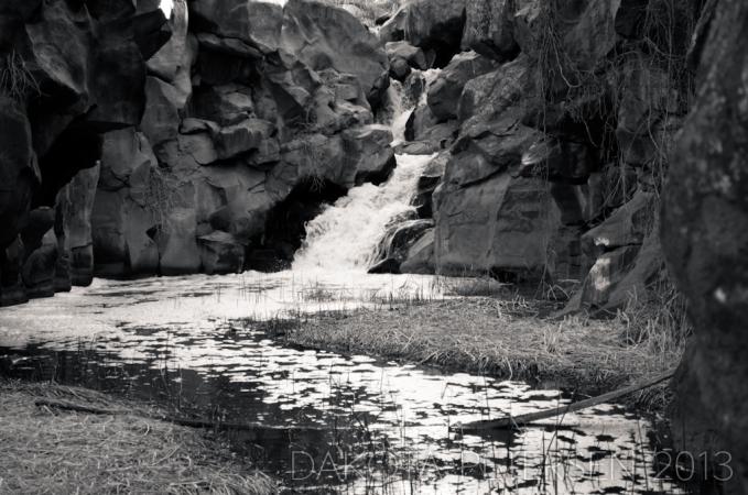 Turbulent Pool Mono